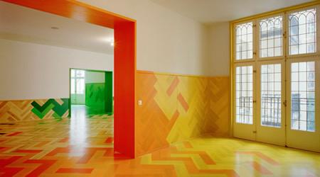北欧の伝統的なパターンの床