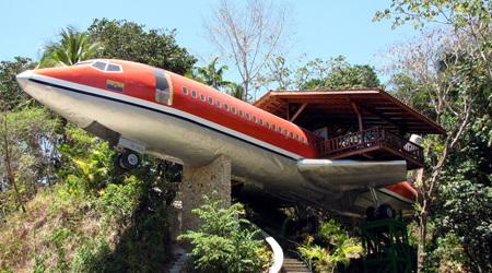 ホテル飛行機に宿泊する