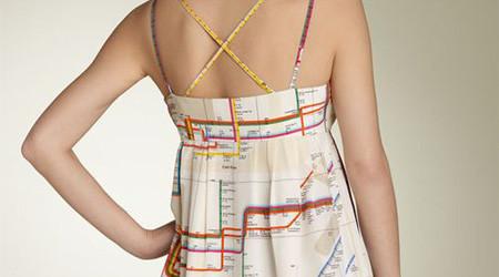 地下鉄の路線図をドレスに