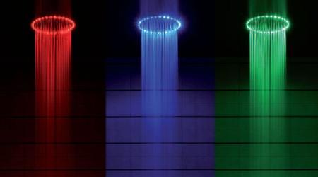 LEDでディスコになるシャワーヘッド
