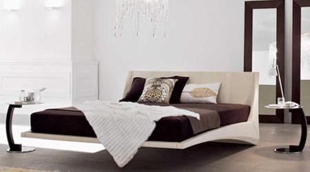 宙に浮かぶ不思議なベッド