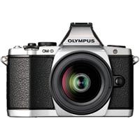 レトロモダンな一眼カメラ:OLYMPUS OM-D E-M5