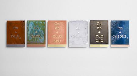 金属板の化学反応アート