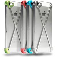 クロスフレームが守るミニマルなiPhoneケース