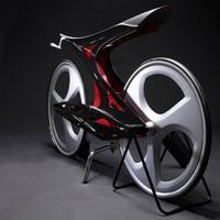 人体の構造から生まれた鋭角で構築的な自転車