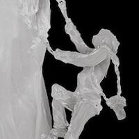 キャンドルの精緻で美しい彫刻