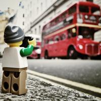 小さなレゴの写真家