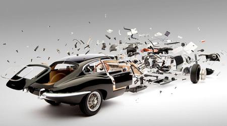 躍動感あふれる美しいクラシックカーの分解写真
